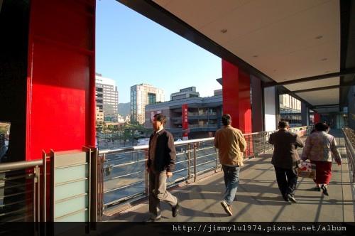[台北] 信義計畫區空橋 2005-12-23.jpg