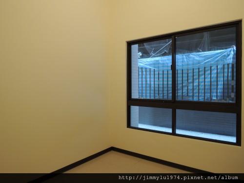 [竹北高鐵] 寶誠建設「澄水硯」(大樓)1樓中庭戶現場實景 2013-07-25 029