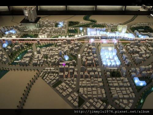 [青埔高鐵] 盛亞建設「富宇東方悅」(大樓)銷售團隊與建物模型 2013-07-25 010.jpg