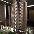 [竹北高鐵] 名銓建設「坤山君峰」(大樓)外觀模型 2013-08-01 004.jpg