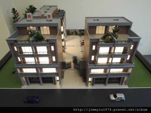 [新竹南寮] 晟家建設「新旅居」(透天) 2013-08-23 003 外觀參考模型