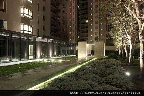 [竹北高鐵] 新業建設「新業APlus」(新業A+)(大樓) 2013-10-17 022