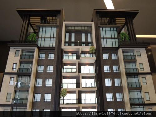 [竹北高鐵] 大城建設「大城有德」(大樓) 2013-10-17 005.jpg