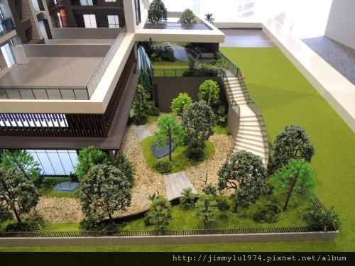 [竹北高鐵] 大城建設「大城有德」(大樓) 2013-10-17 009.jpg
