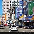 [新竹巨城] 正群建設「天青硯」(大樓) 2013-11-29 011 經國路商圈