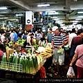 [新竹巨城] 正群建設「天青硯」(大樓) 2013-11-29 016 果菜市場