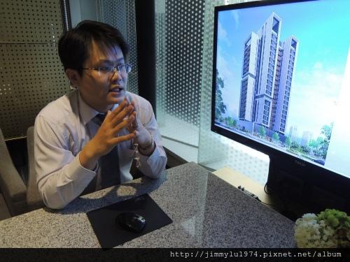 「鴻向」專案經理陳仲明