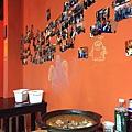 [新竹東大] 大口吃肉(碳烤串燒)2014-10-21 009 店內實景.JPG