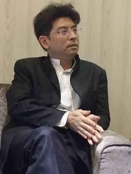 「東方文華」專案經理龍熙常
