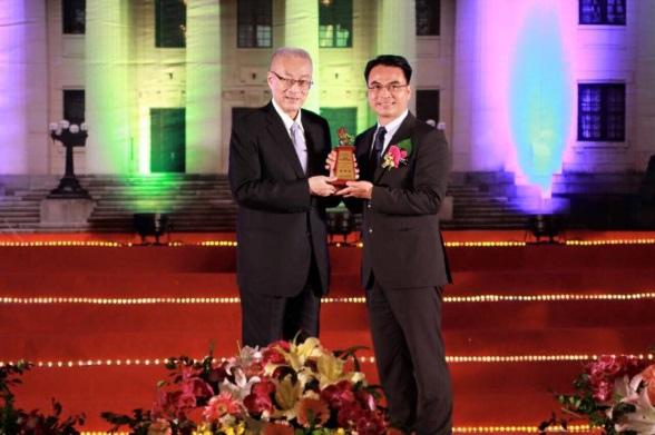 [活動訊息] 戴雲發獲頒「國家建築金獎-大會特別獎」2015-10-27 001.jpg
