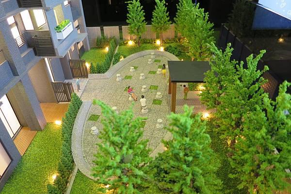 [桃園高鐵] 寶峻建設-小森光No.2(大樓) 2015-12-07 006