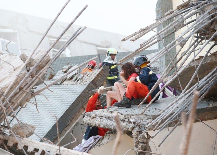[住週時論] 地震之後的房地產日記(圖片來源:聯合新聞網)2016-02-06 005.jpg