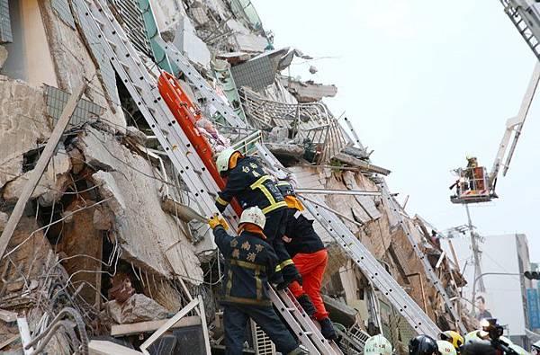 [住週時論] 地震之後的房地產日記(圖片來源:聯合新聞網)2016-02-06 006.jpg