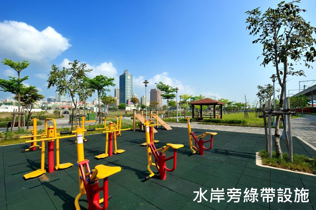 [台中裕元]新業觀峰(大樓)2016-09-20 014 基地前公園.jpg
