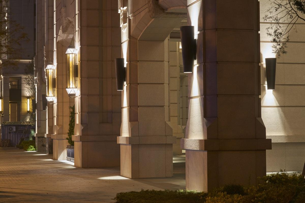 [竹北縣三]山璞翰林富苑(大樓)20170320-01崗石-迴廊列柱夜景