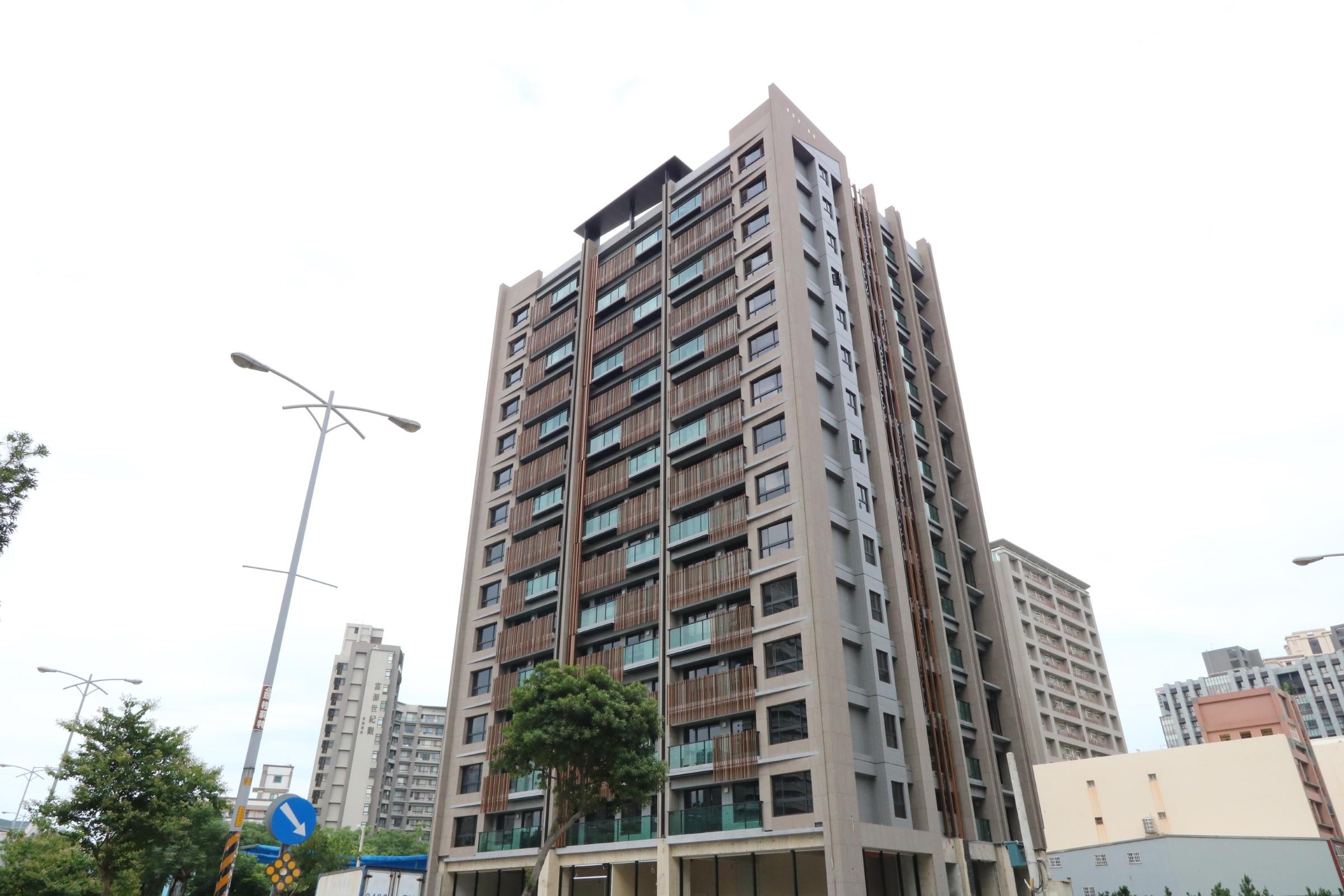 [竹北高鐵]元啟-知青沁-大樓20180612-1.JPG