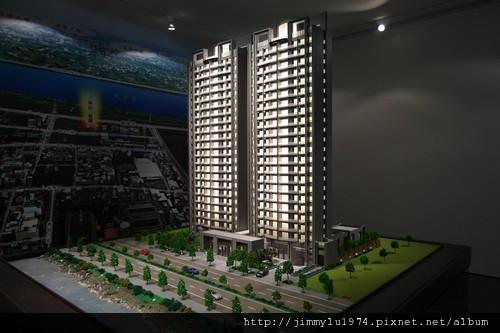 [竹北] 坤山建設「和謙」2011-04-27 002.jpg