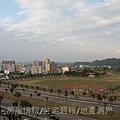 捷寶建設「新世紀」43實品屋客廳陽台.JPG