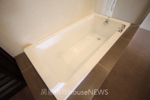 品基建設「御前埼」12衛浴陳列.JPG