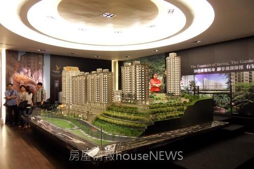甲山林建設「城上城」模型01.JPG