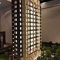 春福建設「一邸」03外觀模型.JPG