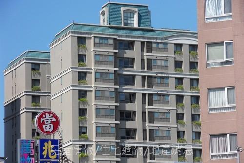 台中半日遊31崇德路、進化北路口.JPG