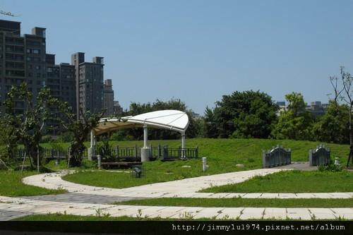[竹北] 暘陞建設「極品苑」2011-04-19 009.jpg