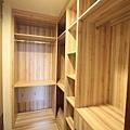 弘新建設「達觀」30 3F前主臥更衣室.JPG