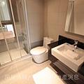 瑞騰建設「青川之上」52樣品屋共同衛浴.JPG