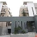 雄基建設「鉑金官邸」33建物外觀C區.JPG