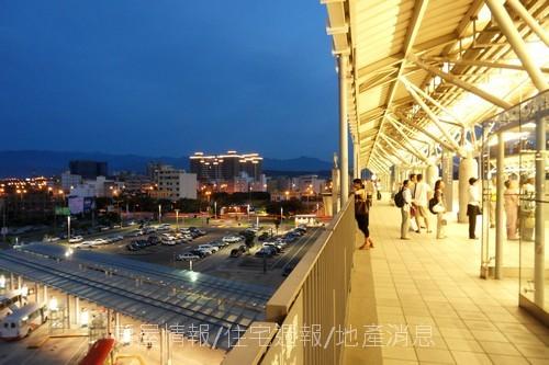 竹北建築之旅08:美麗高鐵站03:遠處的燈光.JPG