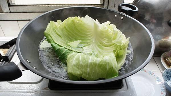 10高麗菜水燙軟.jpg