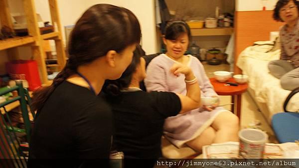20婉瑛竟然吃到開始展現肌肉.jpg