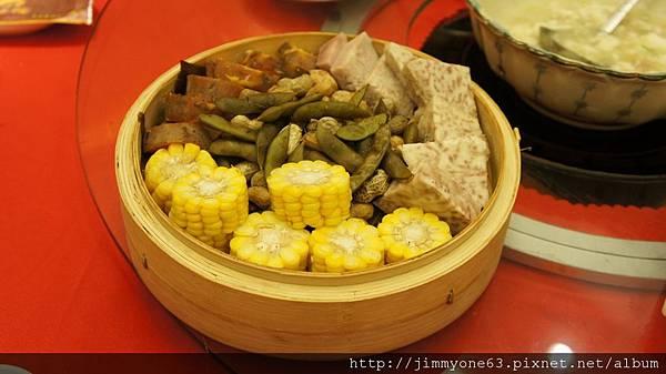 26蒸玉米、芋頭、毛豆.jpg