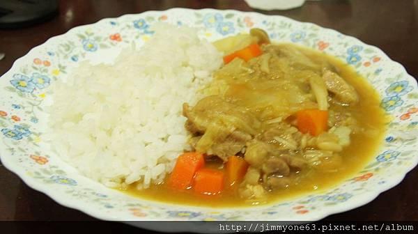 19老媽吃了兩餐的深坑菜,換個咖哩飯讓他開開味