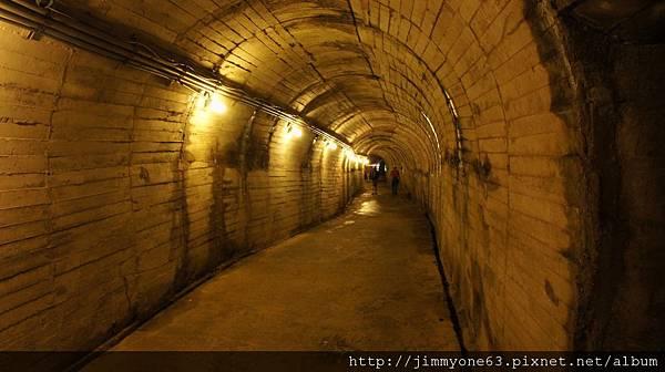 110隧道內