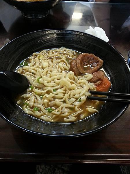 02牛肉麵.jpg