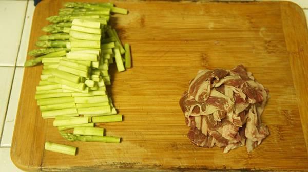 17蘆筍2小把,牛肉片一握.jpg