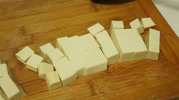 05傳統豆腐1塊,切成1立方公分.jpg