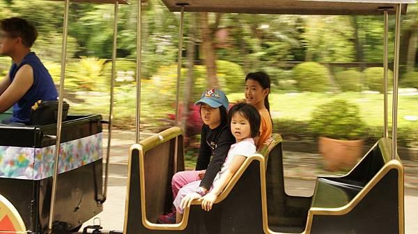 33遊園車.jpg