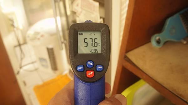 03超過57度就可以熄火加蓋熱泡牛排.jpg