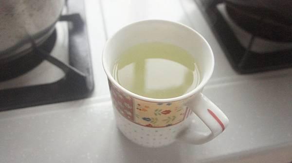 07煮麵水取半杯備用.jpg