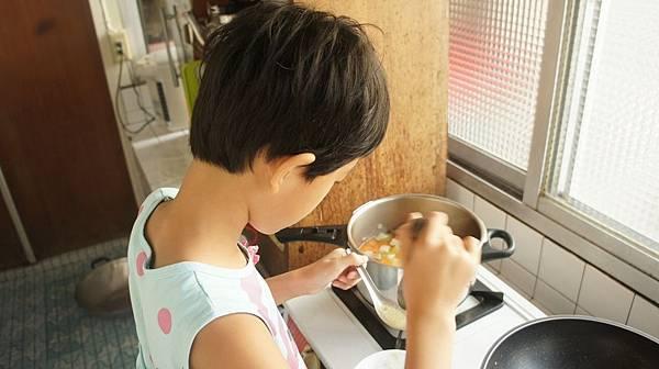 07三廚評估鹹淡.jpg