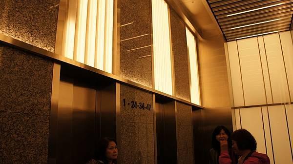 03高層電梯.jpg
