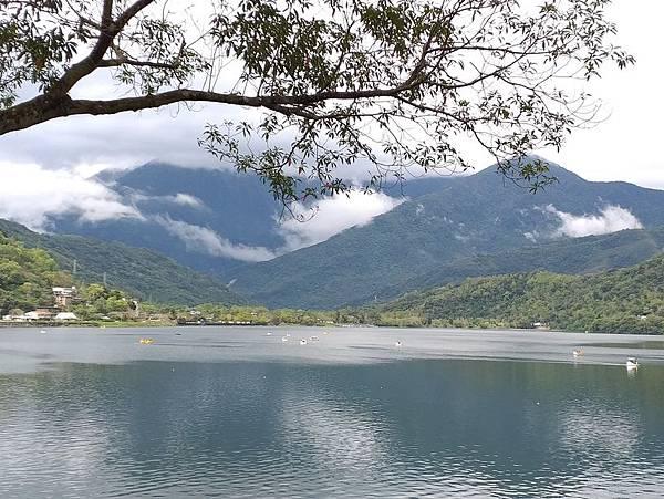 051湖光山色.jpg