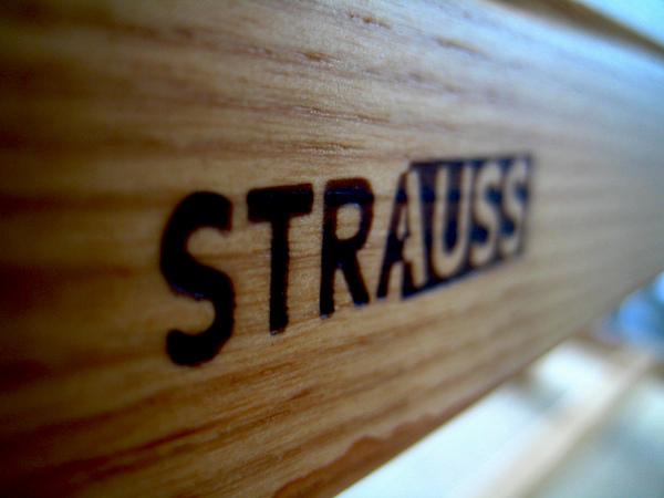 1.STRAUSS.jpg