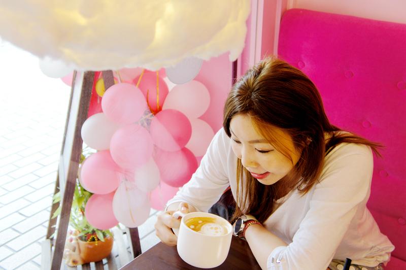 BANGBANG_看咖啡拉花.jpg