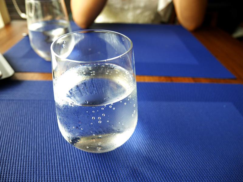鹽與胡椒_氣泡水.jpg