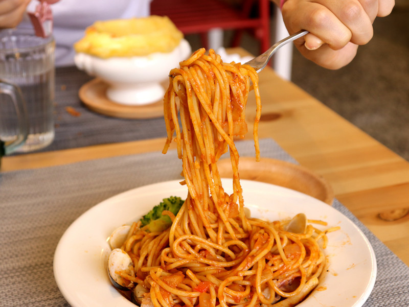 ONLY創意料理_番茄海鮮義大利麵條02.jpg