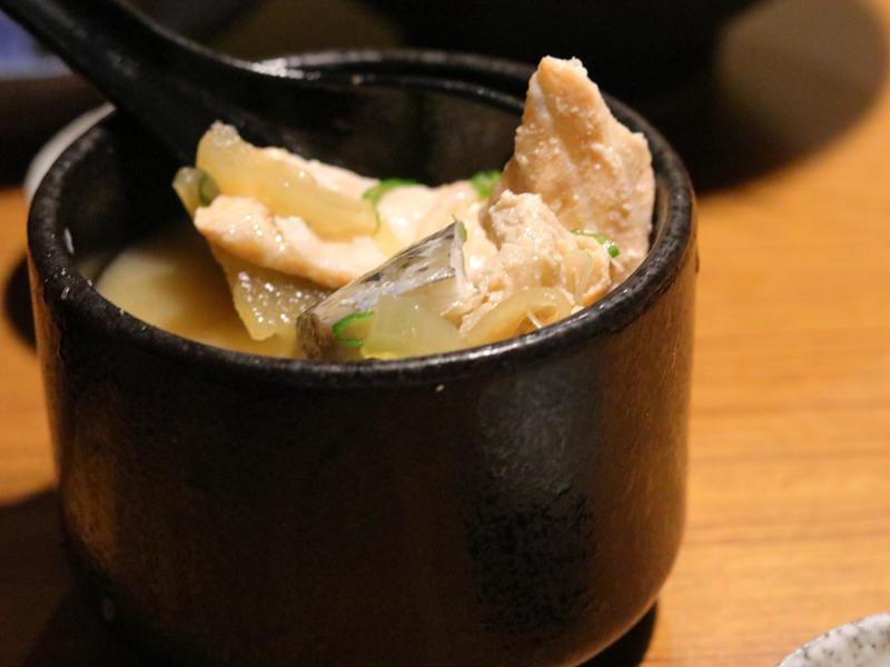 桀壽司_魚頭味噌湯的魚肉.jpg